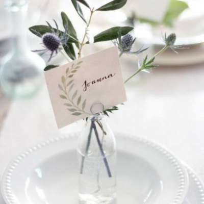 Christmas Table Setting – Classic Green & White
