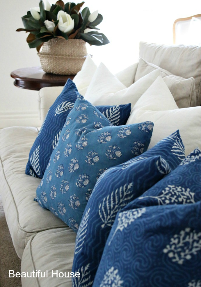 Feather cushion inserts