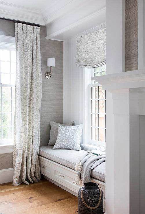 Decorating With Architectural Mouldings - Beautiful House